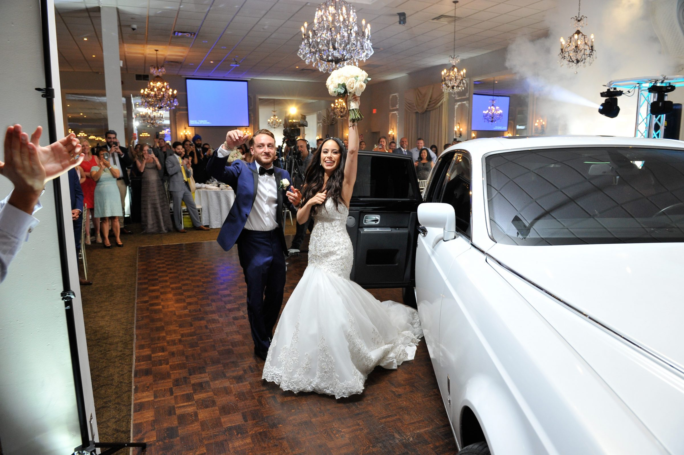 Wedding Couples Limo Entrance into venue